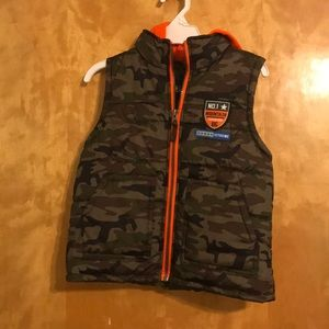 Xtreme Hooded Camo Puffer Vest Size 5 Like New